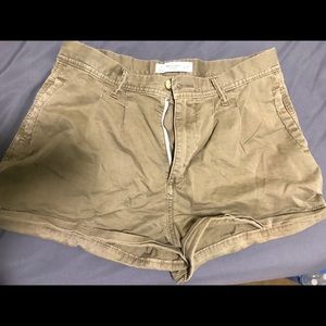 high wasted cargo shorts